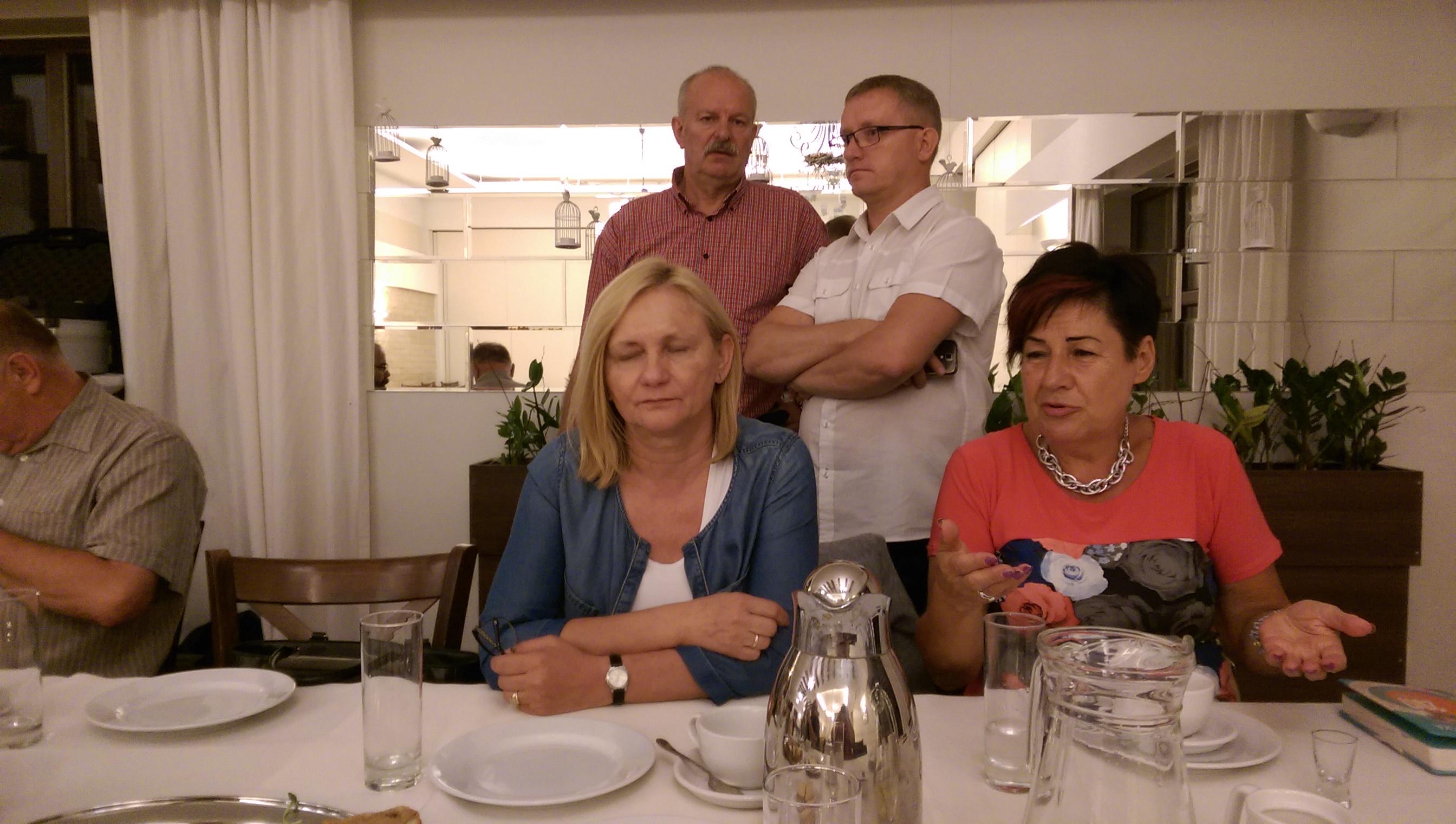 Rozmowy przy stole